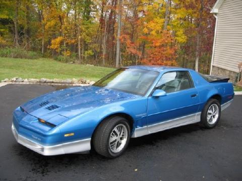 1986 Pontiac Firebird Trans Am in Bright Blue Metallic