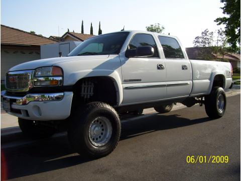 2004 GMC Sierra 2500HD SLT Crew Cab 4x4 in Summit White