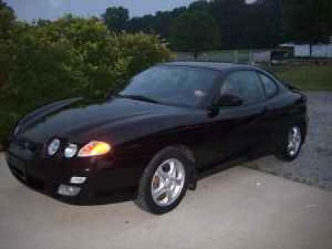 2001 Hyundai Tiburon  in Jet Black