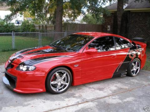 2005 Pontiac GTO Coupe in Red/Black/Silver