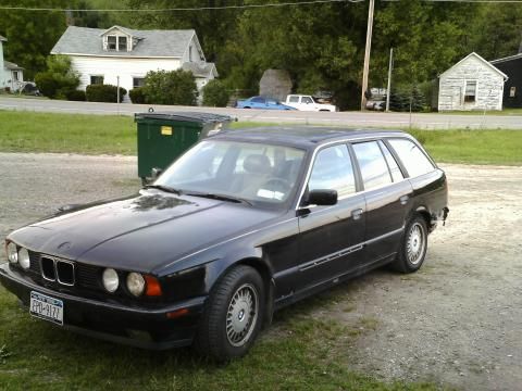 1993 BMW 5 Series 525i Touring Wagon in Jet Black