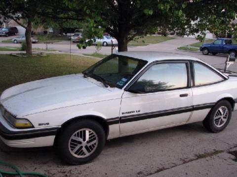 1991 Pontiac Sunbird LE Coupe in Arctic White