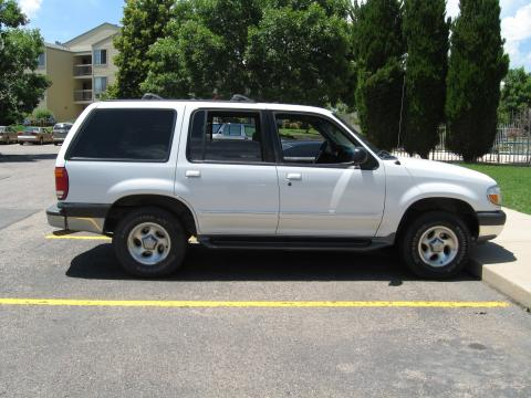 2000 Ford Explorer XLT in Oxford White