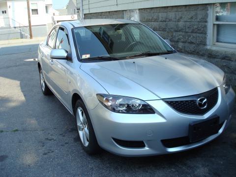 2004 Mazda MAZDA3 i Sedan in Sunlight Silver Mica