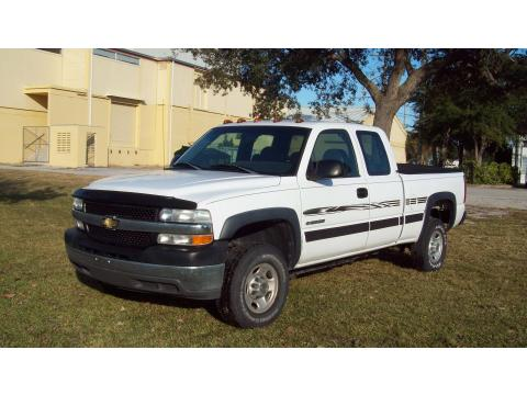 2002 Chevrolet Silverado 2500 LT Extended Cab in Summit White