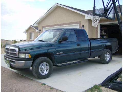 1998 Dodge Ram 2500 Laramie Extended Cab in Emerald Green