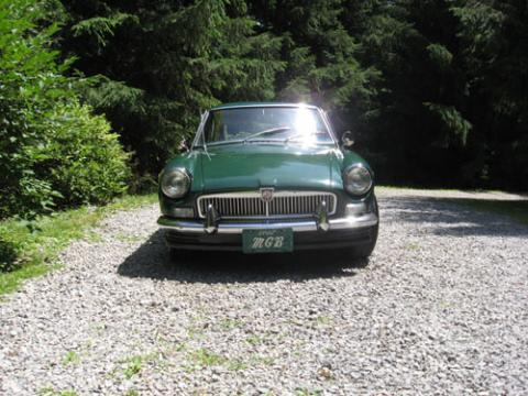 1967 MG MGB GT in British Racing Green