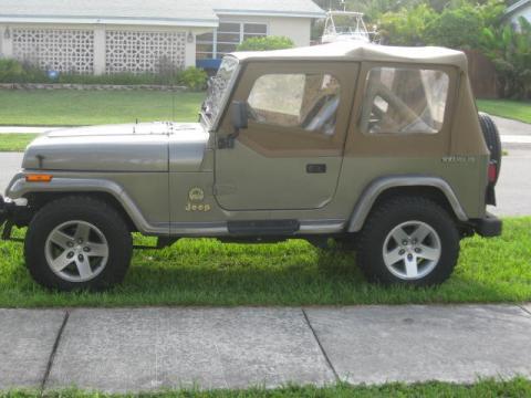 1990 Jeep Wrangler Sahara 4x4 in Green