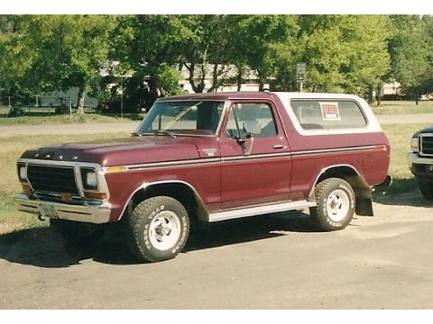 1979 Ford Bronco XLT 4x4 in Maroon
