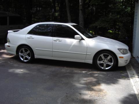 2001 Lexus IS 300 in White Diamond