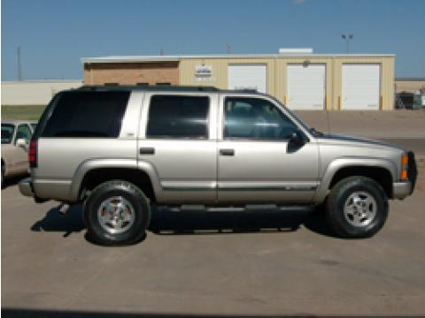 2000 Chevrolet Tahoe Z71 in Sunset Gold Metallic