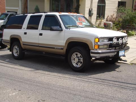 1999 Chevrolet Suburban K2500 LT 4x4 in Summit White