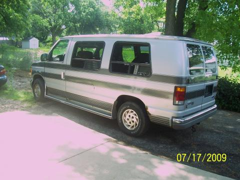 1992 Ford E Series Van E150 Passenger Conversion Van in Silver
