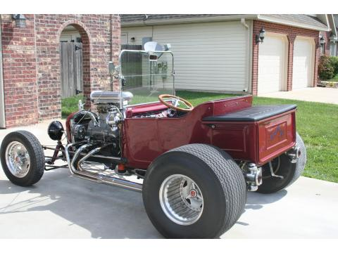 1923 Ford T Bucket Roadster in Milano Maroon Metalic