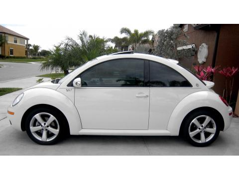 2008 Volkswagen New Beetle Triple White Coupe in Campanella White