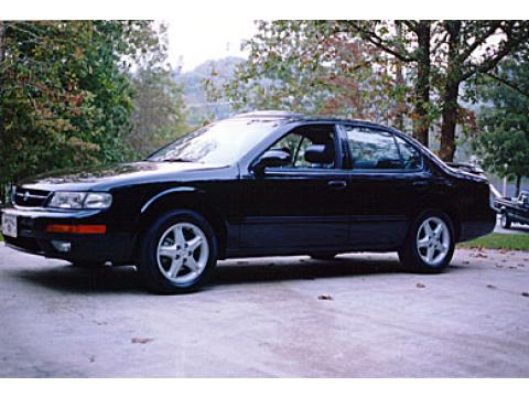 1997 Nissan Maxima SE in Super Black
