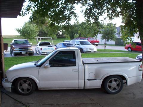 1998 Chevrolet S10 SS Stepside in Summit White