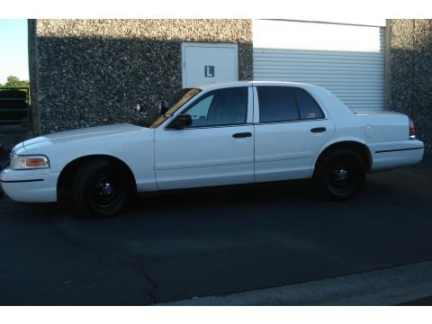 2003 Ford Crown Victoria Police Interceptor in Vibrant White