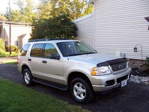 2005 Ford Explorer XLT 4x4 in Silver Birch Metallic