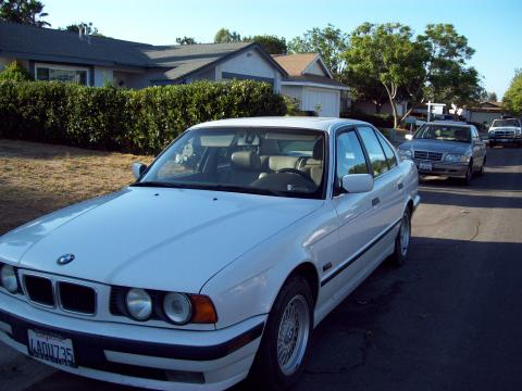 1995 BMW 5 Series 525i Sedan in Alpine White