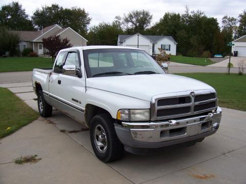 1995 Dodge Ram 1500 SLT Extended Cab in Bright White