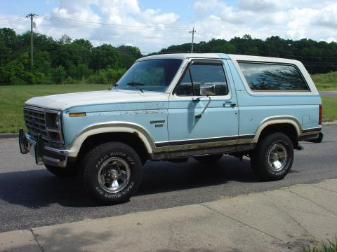 1986 Ford Bronco XLT in Light Blue/White