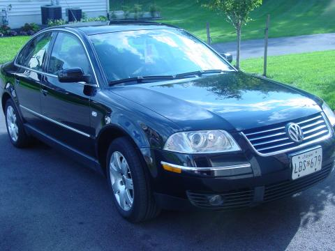 2002 Volkswagen Passat GLX 4Motion Sedan in Black