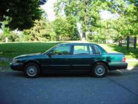 1994 Lincoln Continental Sedan in Teal