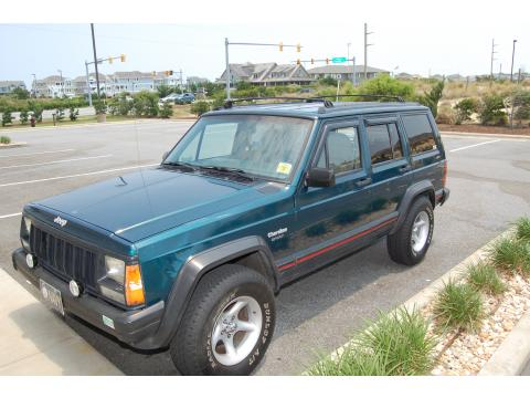 1995 Jeep Cherokee Sport in Dark Green