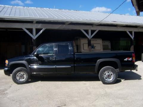 2004 GMC Sierra 2500HD SLE Extended Cab 4x4 in Onyx Black