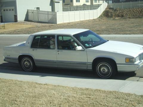 1991 Cadillac DeVille Sedan in Off White
