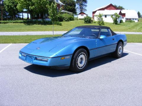 1988 Chevrolet Corvette Convertible in Blue
