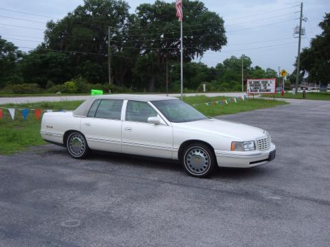 1998 Cadillac DeVille Classic Edition in White Diamond Pearl