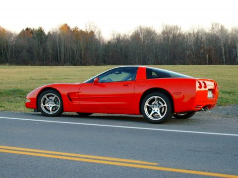 2002 Chevrolet Corvette Coupe in Torch Red