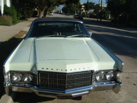 1968 Lincoln Continental Coupe in Pale Green
