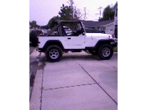 1991 Jeep Wrangler Sport 4x4 in Bright White