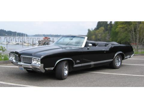 1970 Oldsmobile Cutlass Convertible in Black