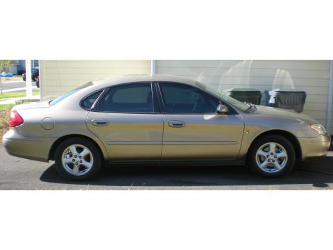 2002 Ford Taurus SES in Arizona Beige Metallic