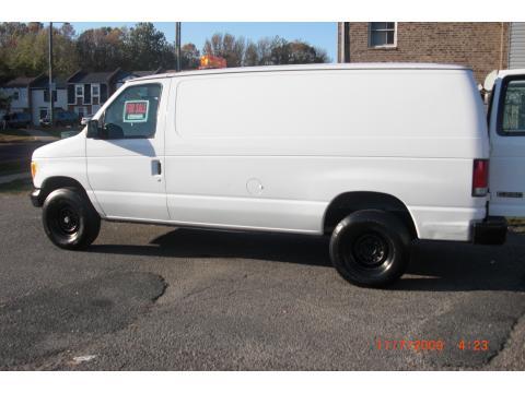 2001 Ford E Series Van E250 Cargo in Oxford White