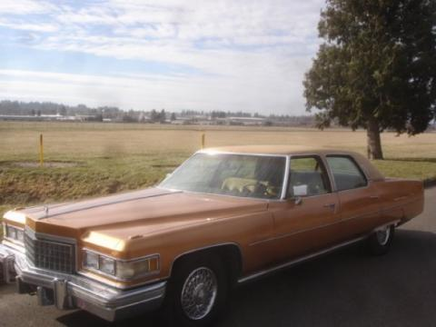 1976 Cadillac Fleetwood Brougham in Amberlite Firemist