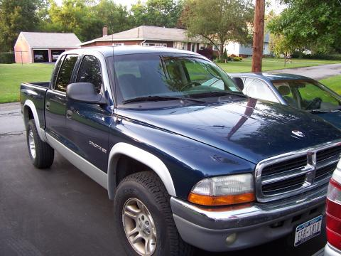 2001 Dodge Dakota SLT Quad Cab in Blue/Grey Trim