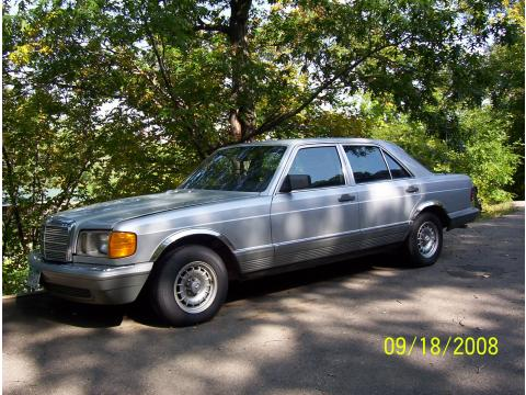 1985 Mercedes-Benz S Class 380 SE in Silver Grey