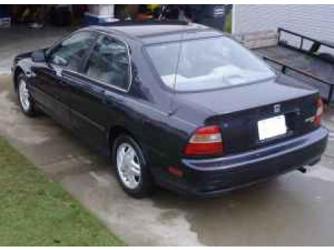 1995 Honda Accord LX Sedan in Nocturne Blue Pearl