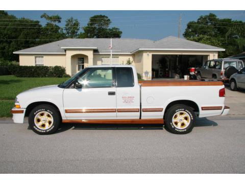 1998 Chevrolet S10 LS Extended Cab in Summit White