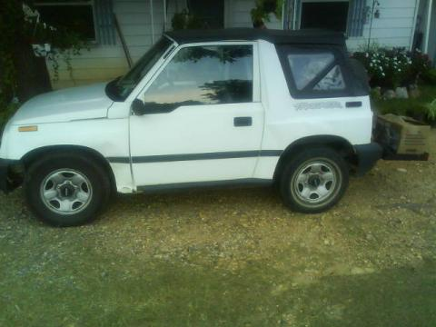 1997 Geo Tracker  in White