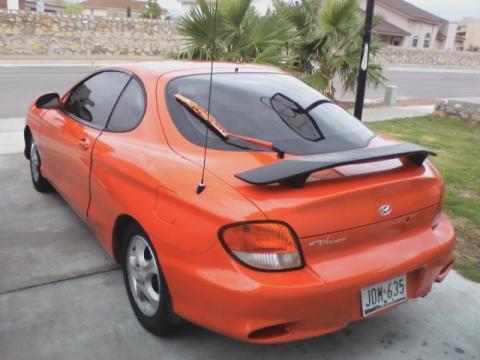 2000 Hyundai Tiburon Coupe in Red Orange