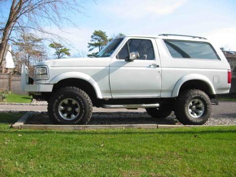 1992 Ford Bronco XLT 4x4 in Oxford White