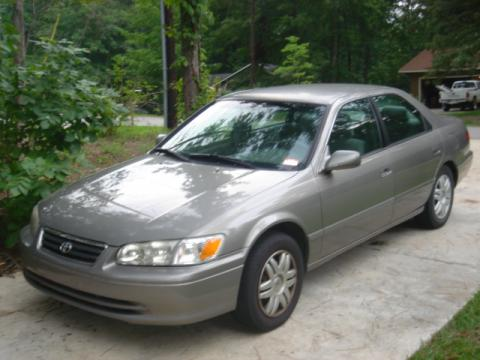 2000 Toyota Camry LE in Champagne