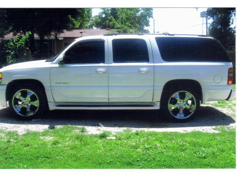 2003 GMC Yukon XL in Summit White