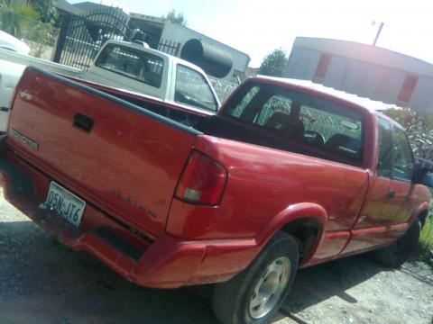 1994 GMC Sonoma  in Red